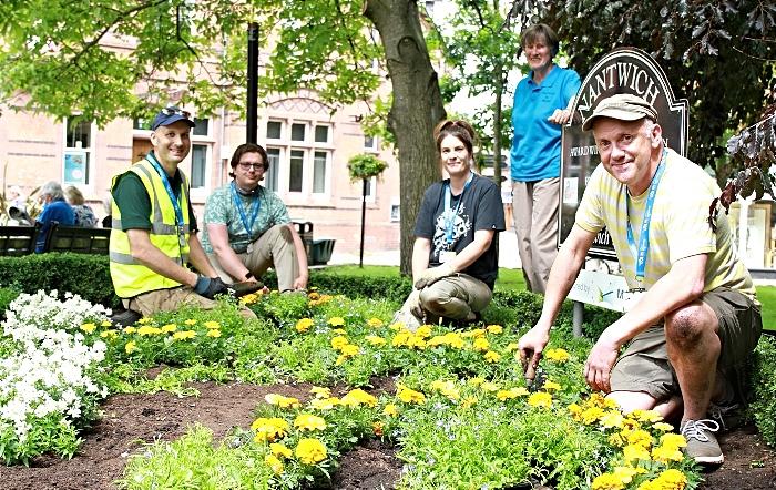 flower bed - RHS L2 Alistair Copley, Peter Johnson, Kate Hurst, Chair Nantwich in Bloom Sue Sherwood, Chris Brown (1)