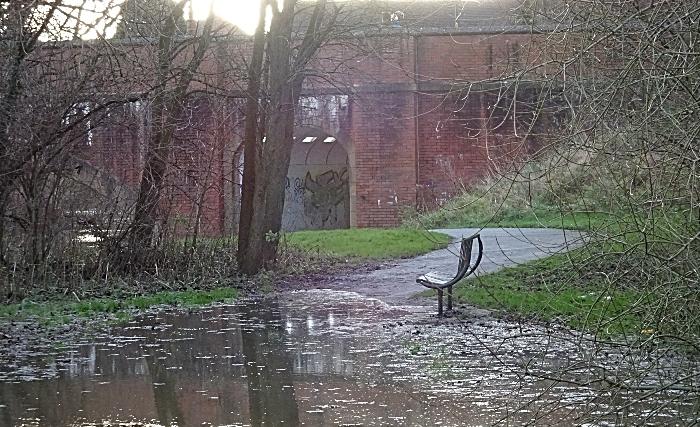 River Weaver flooding at Sir Thomas Fairfax Bridge, Nantwich - Sun 27-12-2020 (2) (1)
