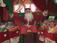 Santa sets up his Grotto in Nantwich Bookshop!