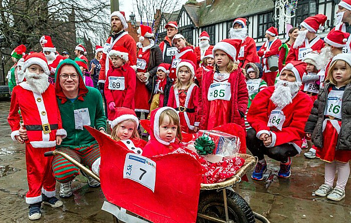 Santa Dash Nantwich, Hope House Hospice 3