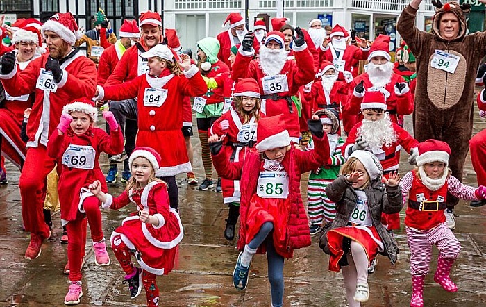 Santa Dash Nantwich, Hope House Hospice 5