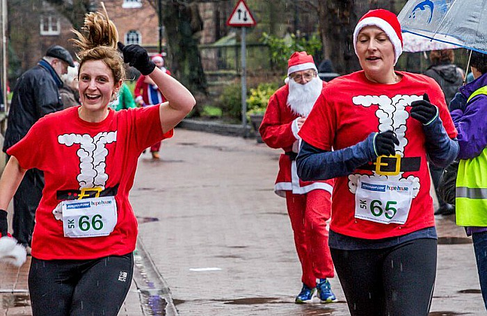 Santa Dash Nantwich, Hope House Hospice 7