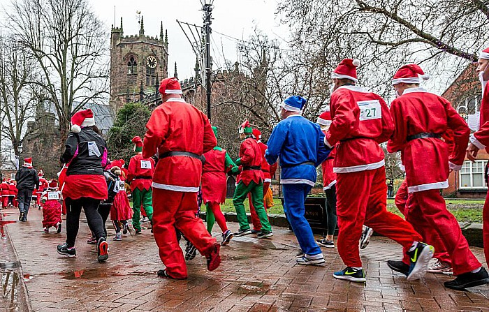 Santa Dash Nantwich, Hope House Hospice 8