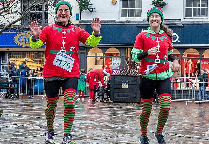 Santa Dash Nantwich, Hope House Hospice 9