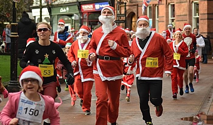 Santa Dash participants