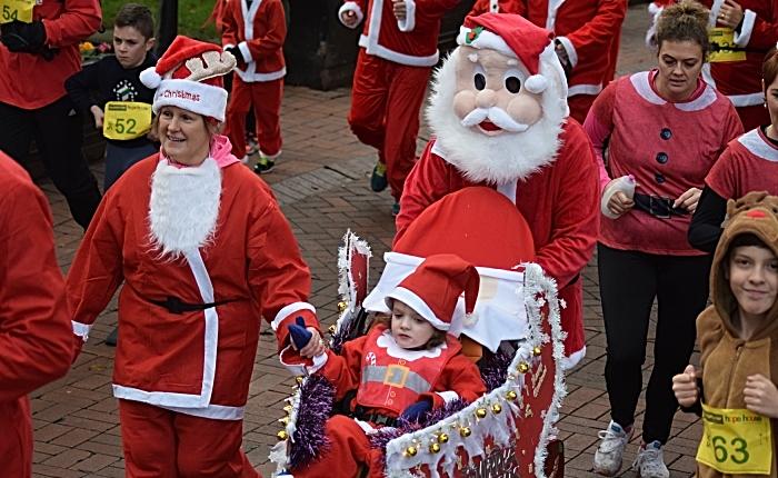 Santa Dash participants (2)