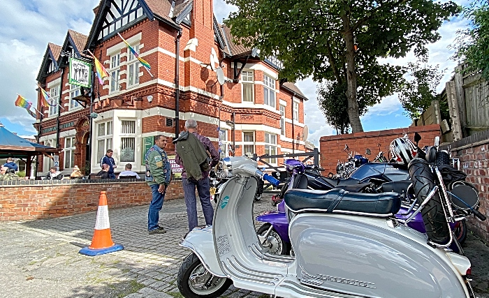 Dabbers Scooter club at the front of The Railway Hotel (1)