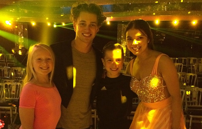 sienna-with-aj-and-chloe-at-strictly