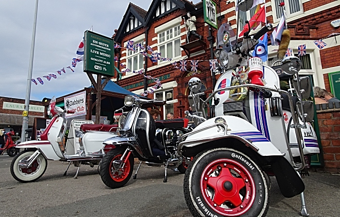Smell The 2 Stroke - scooters outside The Railway Hotel (1)