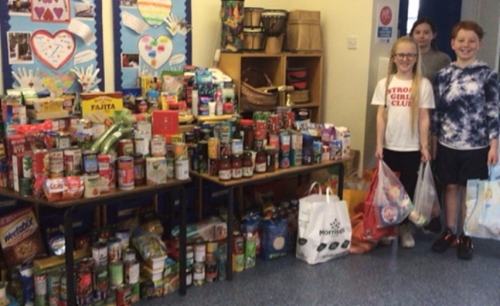 St Anne's pupils and Foodbank donations