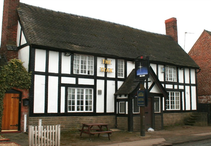 Enterprise Inns pub Star Inn Acton, pic creative commons by Espresso Addict