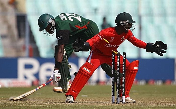 Tatenda Taibu in action as a wicketkeeper (1)