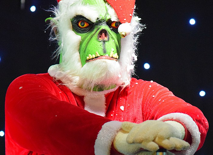 The Grinch tries to switch on the lights and launch the fireworks before the countdown