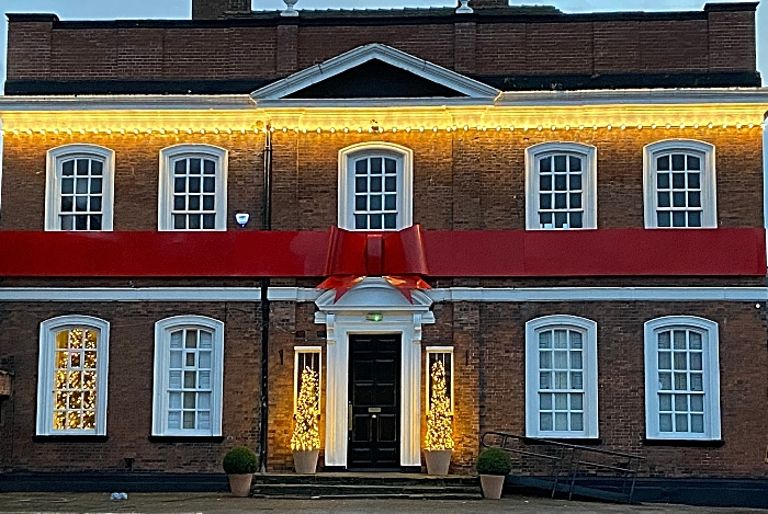 The Townhouse bar and restaurant on Mill Street - dressed in lights and ribbon (1)