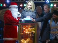 Thousands enjoy Nantwich Christmas lights switch-on
