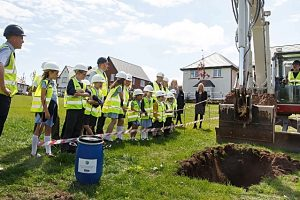 Wistaston pupils bury time capsule on new Wistaston Brook development