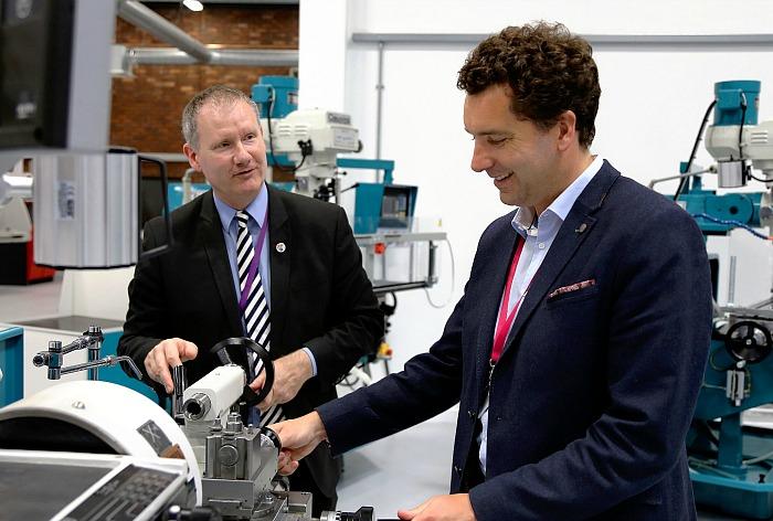 Edward Timpson Hails New Crewe Engineering Design Utc Nantwich News