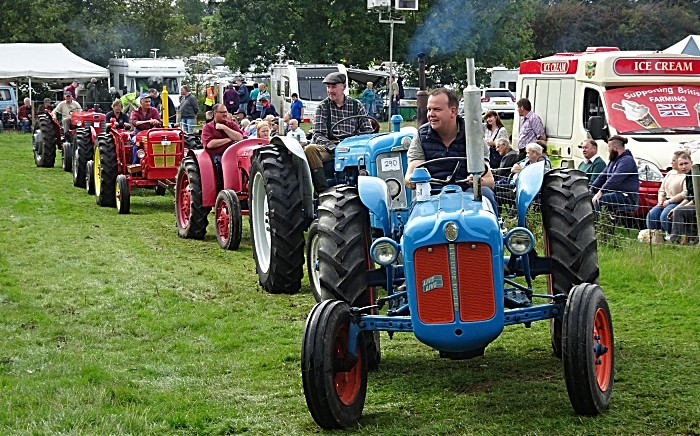 Tractor parade - Yesteryear Rally