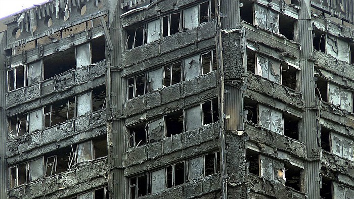 Upper Grenfell Tower - cladding, fire - pic by ChiralJon under creative commons licence