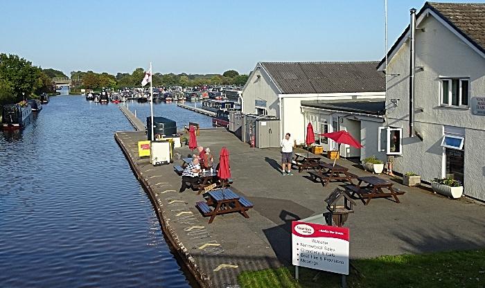 Venetian Marina Tearoom and the adjacent Shropshire Union Canal (1)