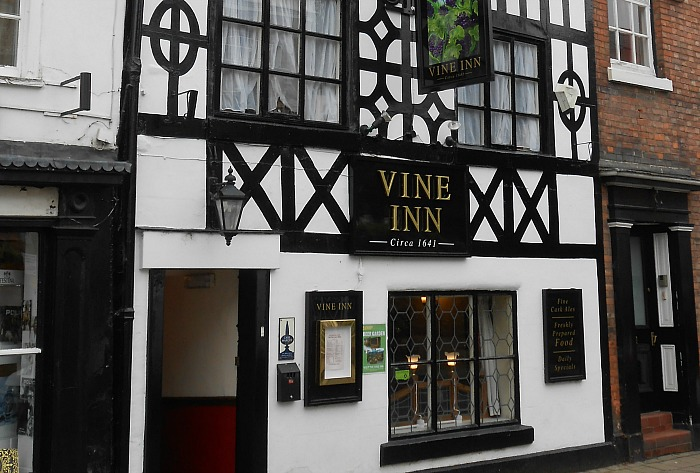 drinker banned - Vine Inn Nantwich - pic by Rept0n1x under creative commons