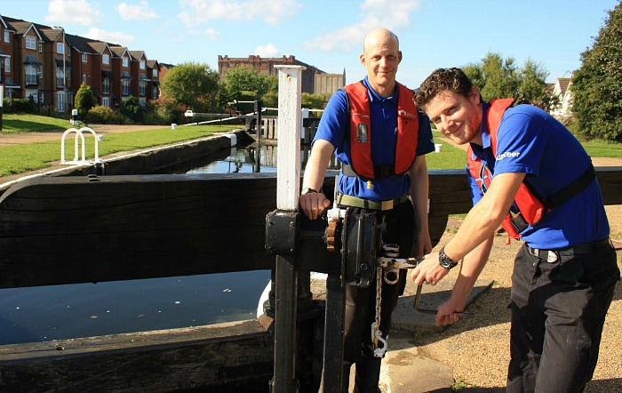 Volunteer lock keepers Lee & Mark