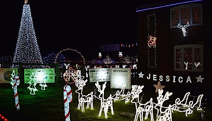 Weston Christmas Light Display (1)