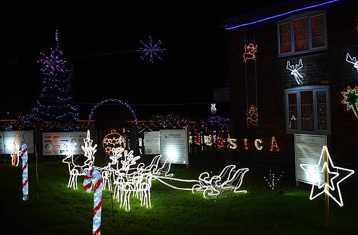 Weston Christmas Light Display 2017 - Carters Green Farm - Jack Lane - Weston - near Crewe(3)