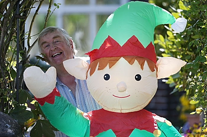 Wistaston - Laurence Perry and Boris the elf at Westfield Drive (1)