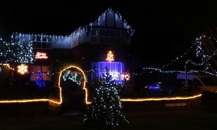 Wistaston - Westfield Drive - lights