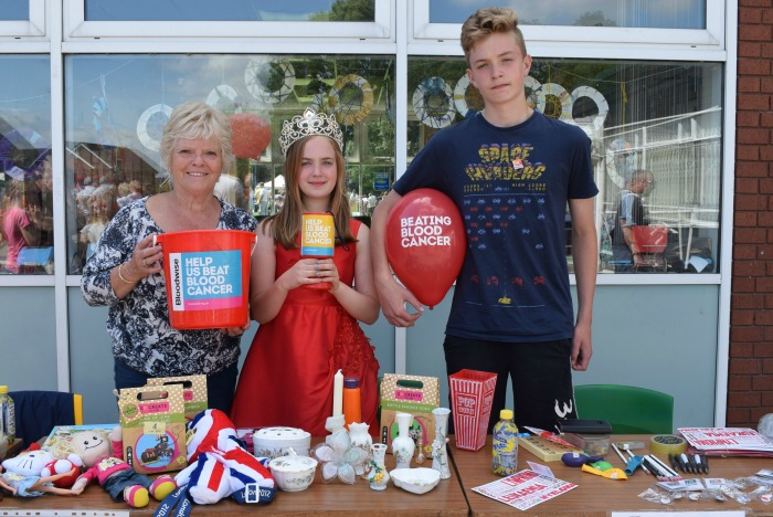 Worm Charming - Willaston Rose Queen Greta Piasecka and assistants on her nominated charity Bloodwise stall