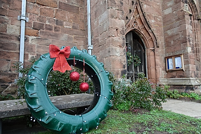Wreath made from a tractor tyre at the entrance (1)