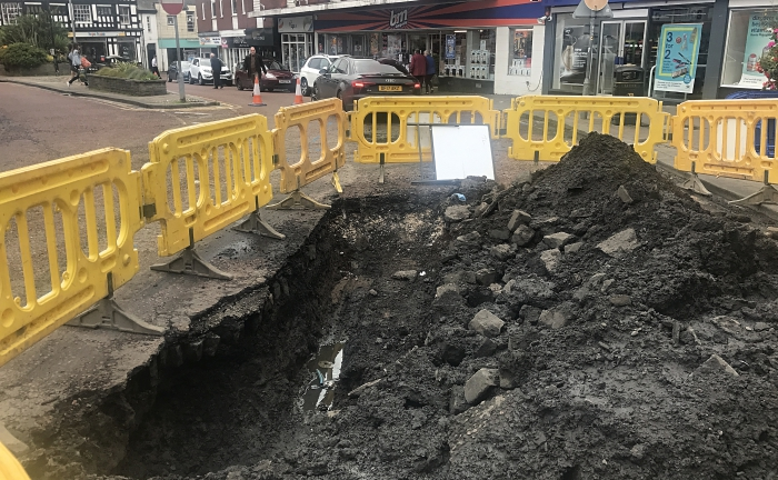 beam street closure burst water main