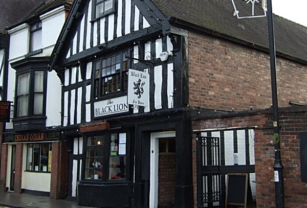 black lion pub in nantwich - pic by JThomas creative commons licence