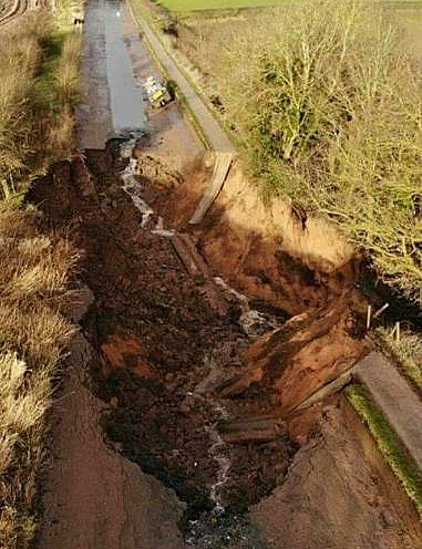 canal embankment collapse - pic by Eoin Anderson