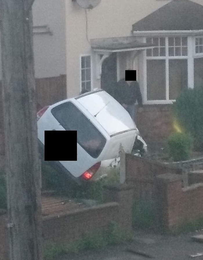 car crashed into garden on millstone lane in nantwich