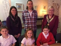 Mayor helps launch Cartoon Academy at Nantwich Museum