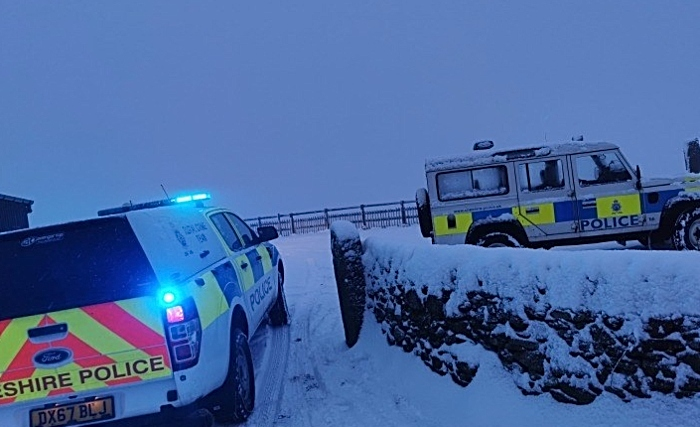 cheshire police rural team rescue from snow 4