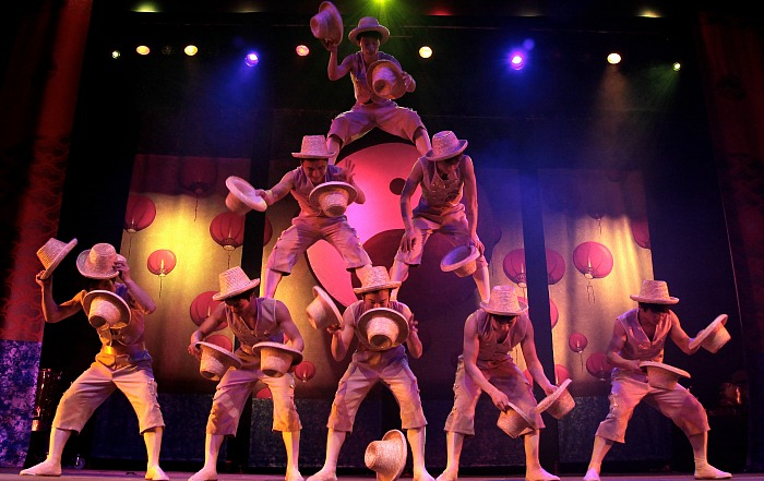 chinese-state-circus-acrobats
