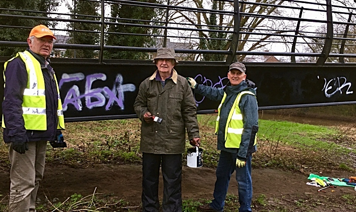 civic society volunteers clean up grot spots