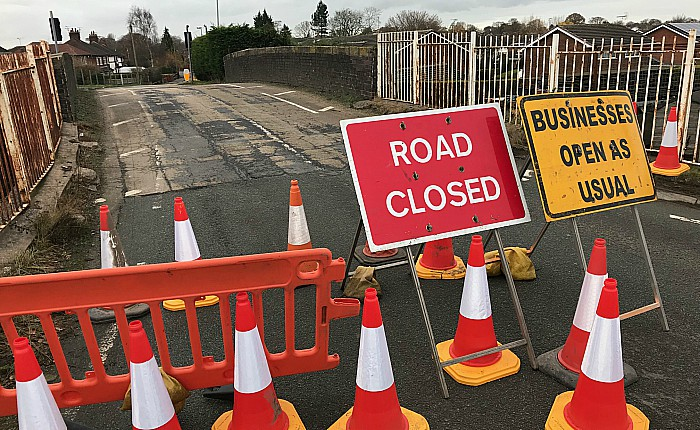 closure of Rope Lane bridge