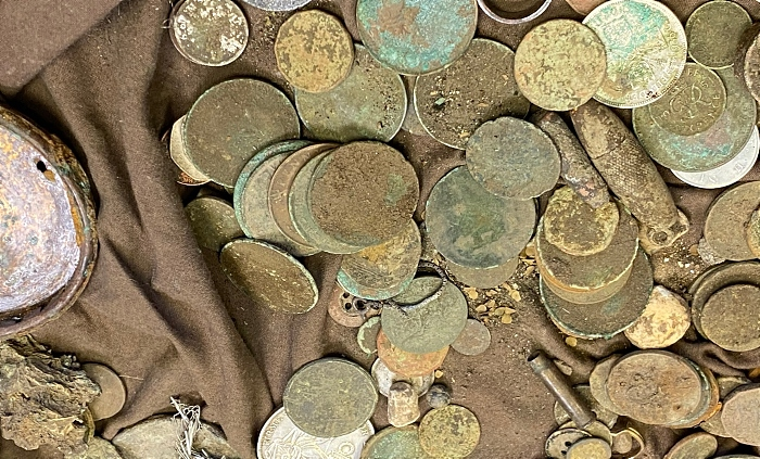 coins beeston castle - metal detecting