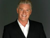 Leading psychic Derek Acorah returns to perform in Nantwich