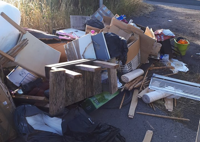 fly-tipping near Alvaston on Nantwich to crewe Greenway