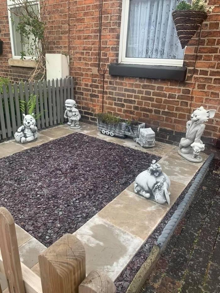 garden ornaments - winnie the poo stolen