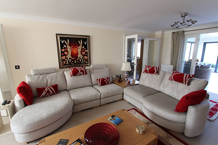 gill sofa room