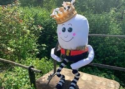 humpty dumpty scarecrow