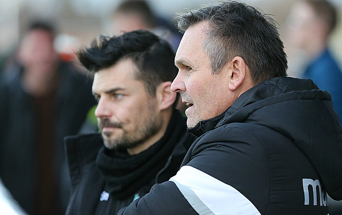 l-r Assistant Manager Danny Griggs and Manager Dave Cooke discuss tactics