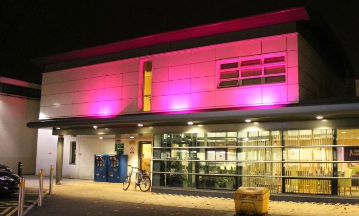 leighton hospital macmillan cancer unit turns purple