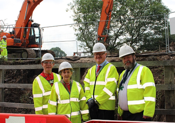 repairs - middlewich road cllrs on site